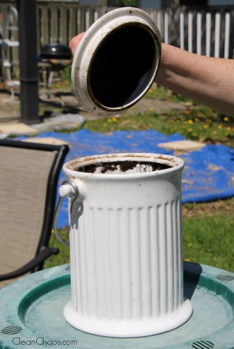 If you're wanting to learn how to start composting, take these tips from a master gardener and see how to start composting!